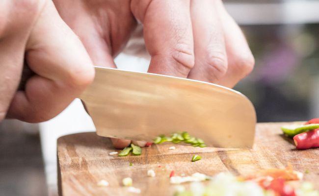 Der Carl Mertens Onlineshop Messerfinder - Messer zum Kleinhacken